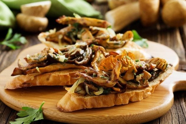 Spicy Lamb and Mushroom Crostini with Ginger Creme