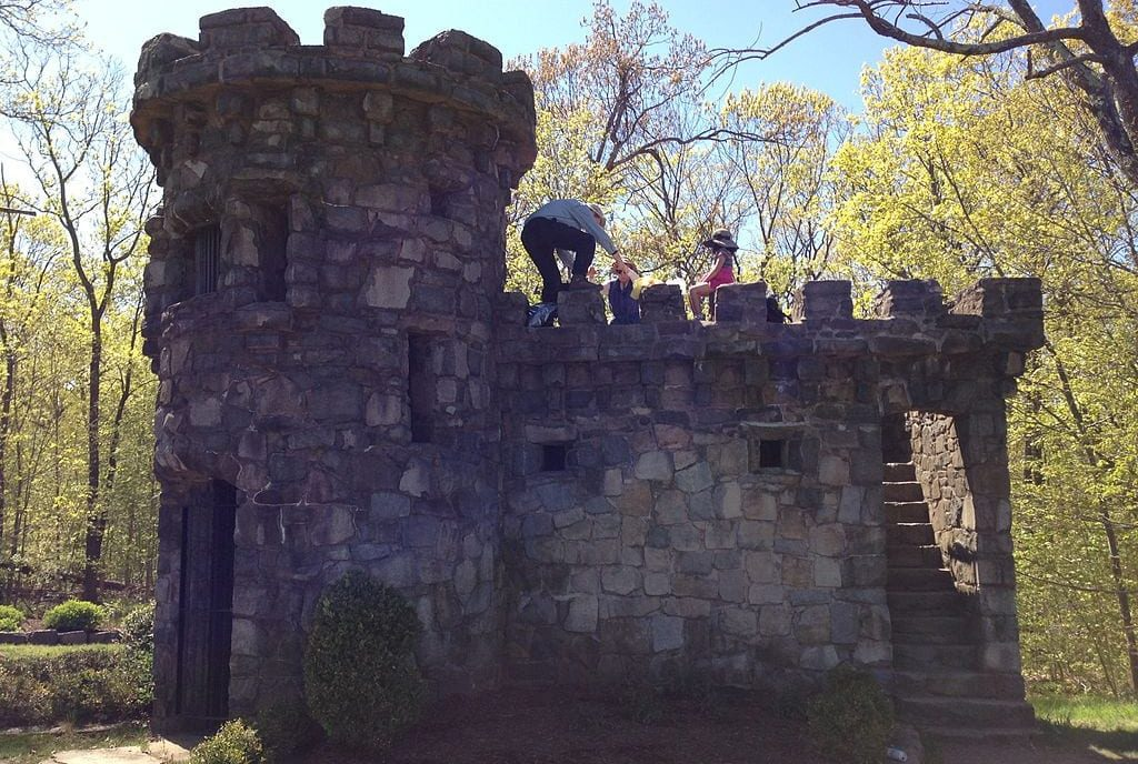 Historical Hiking Trail Along Palisades Interstate Park